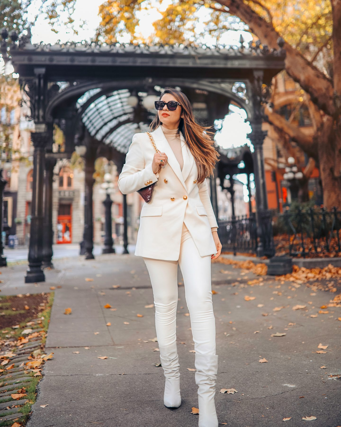 Easy Fall Outfit Idea – All White